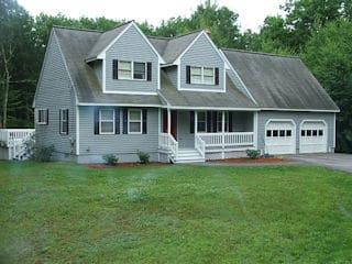 Exterior painting in Merrimack NH customer review Pete & Laura Mikalojczuk house